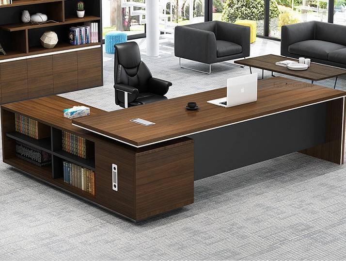 Nên chọn bàn giám đốc phù hợp với không gian văn phòng