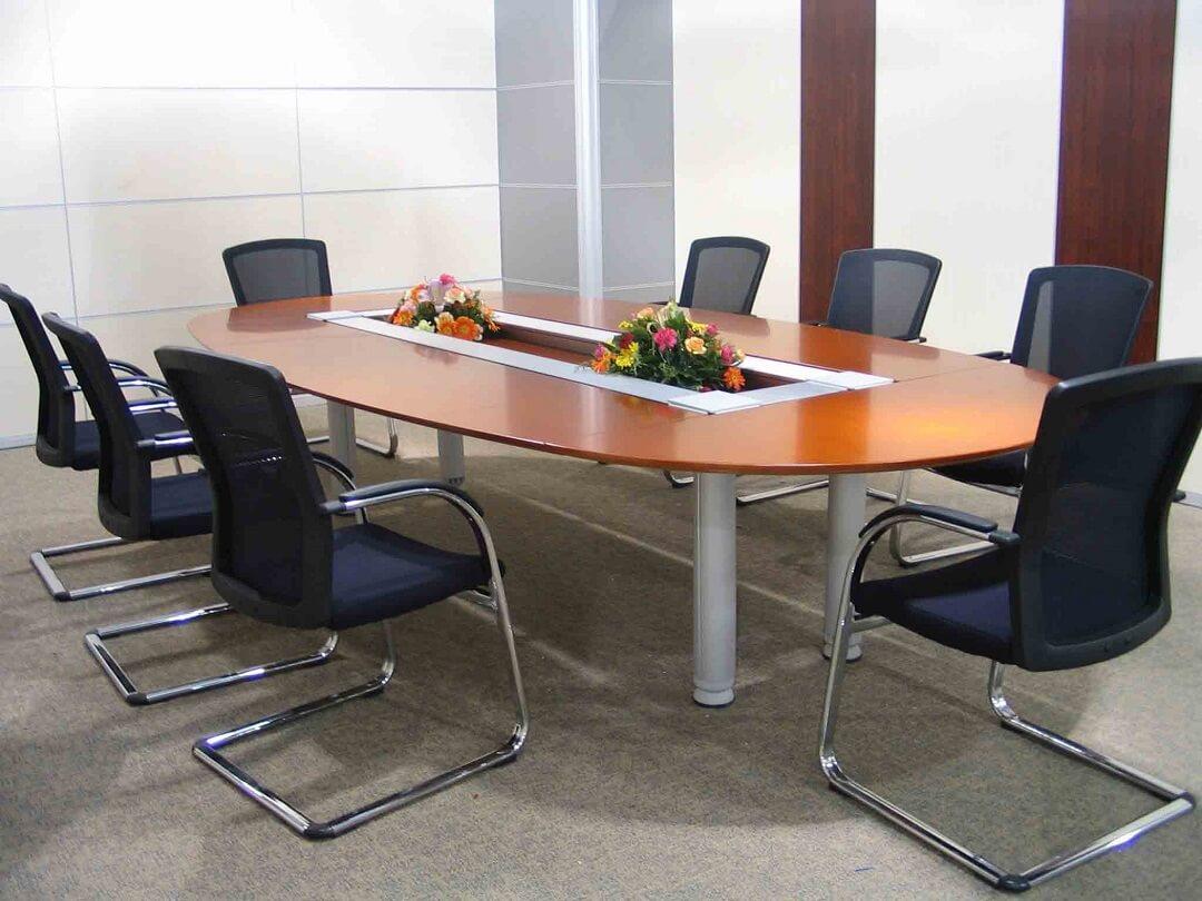 Không nên bỏ qua mẫu bàn họp hình Oval