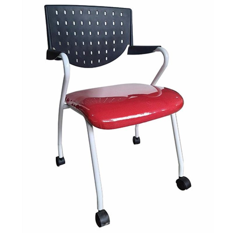 Ghế training với thiết kế năng động trẻ trung